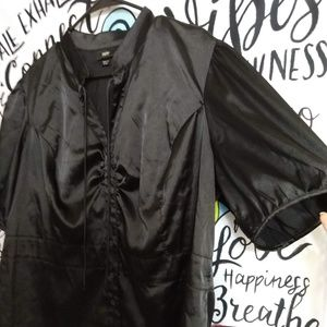 silky black button up top 2x